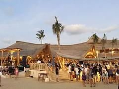 IMG_5317 (Bali .com - Snapshots from the Island of the Gods) Tags: finns beach balibeach canggu bali balicom balidotcom sunset beachclubs balisunsets wisata baliwisata