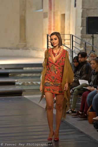 Défilé de mode au Prieuré de Salaise-sur-Sanne, 38150, France.
