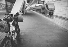 Arnhem Station (bicyclistabroad.com) Tags: netherlands station train arnhem mtb overnight bikepacking s24o s240