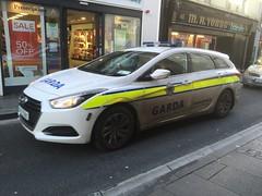 Irish Police Car - An Garda Siochana - Ennis, Ireland (firehouse.ie) Tags: polis policija vehicules vehicule autos lauto vehicles vehicle coche coches hyundai countyclare polizei polizia cops pd force national cara guards angardasiochana ags gardai garda patrol ireland ennis car police