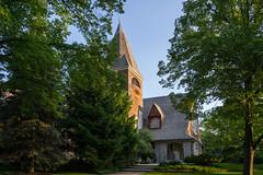 First Presbyterian Church of Lake Forest (urbsinhorto1837) Tags: firstpresbyterianchurchoflakeforest lakeforest northshore sunrise church dawn suburban chicagoland gable belltower trees architecture