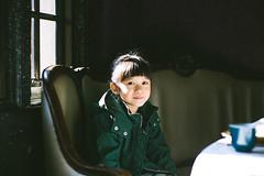 Waiting Patiently. (MichelleSimonJadaJana) Tags: color sony ilce7rm2 α a7rii a7r ii full frame mmount nex voigtlander vme adaptor emount leica noctilux m noctiluxm 50mm f095 asph vsco documentary lifestyle snaps snapshot portrait childhood children girl girls kid jada jana china 中国 shanghai 上海