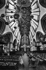 cattedrale... di pietra e sassi ... (paolo paccagnella) Tags: paccagnellapaolo phpph© canonequipment bn bw wwwphpphotographycom vertorama ambiente light architettura basilica chiesa boys guys games blackwhite