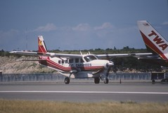 45au - Air Caraibes Cessna 208 Caravan I; F-OGUD@SXM;31.01.1999 (Aero Icarus) Tags: slidescan plane avion aircraft flugzeug princessjulianainternationalairport saintmartin