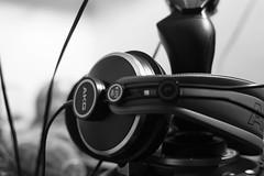 DSC_0949.jpg (Christophe Chaussin) Tags: bureau fil joystick audio casque