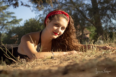 DIANA (ignaciovqz) Tags: mujer ignaciovazquezfotografia bahíablanca argentina mujeres lindas adolescente buenos aires bs canon 50mm parque plaza vestidos labios mirada ojos sonrisa sunset sombrero bm lightroom arboles pasto ignacio vazquez facebook