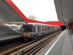 RET 5239 - Rotterdam Kralingse Zoom (rvdbreevaart) Tags: ret metro sg2 typet rotterdam kralingsezoom openbaarvervoer publictransport öpnv nikon düwag