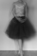 En mouvement  (In motion) (l'imagerie poétique) Tags: limageriepoétique poeticimagery longexposure poselongue mouvement motion danse