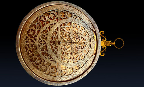 "Astrolabios, ubicantes de estrellas guía • <a style=""font-size:0.8em;"" href=""http://www.flickr.com/photos/30735181@N00/32569387866/"" target=""_blank"">View on Flickr</a>"