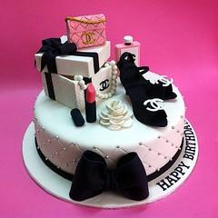 3D Chanel Gift Sets (Cakedeliver.com Malaysia Cake House) Tags: cakeshop cakehouse klangvalley partycake noveltycake customcake kidscake 3dcakes designedcake cakeorder childrencakes bestcakes fondantbirthdaycake 3dbirthdaycake sendcake figurinecake buycakes kslcitymall kepongbakery sripetalingcakestore malaysiabaker