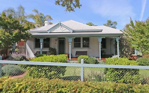 6 Lindsay St, Turvey Park NSW 2650