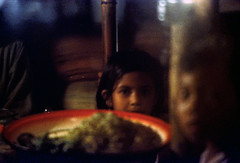 26-640 (ndpa / s. lundeen, archivist) Tags: girls boy people bali color film girl kids 35mm dark children indonesia faces 26 nick southpacific local 1970s 1972 indonesian underexposed balinese dewolf oceania pacificislands nickdewolf photographbynickdewolf reel26