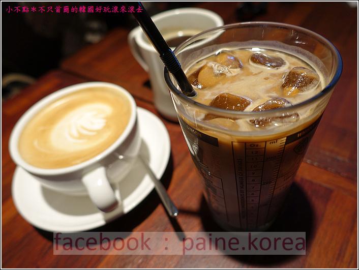新村梨大 waffle it up cafe (7).JPG
