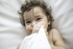 Timidez (jafmomentosespeciales) Tags: retrato 28mm niños bebe mirada timido ef2818