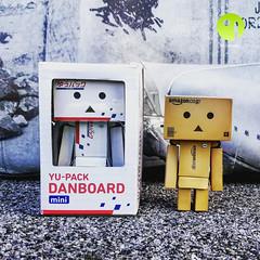 Danbo presents Danbo Yu-Pack (Danboard Belgium) Tags: white japan toy actionfigure mini plastic figurine arttoy photooftheday picoftheday yotsuba danbo japanpost revoltech toyfan danboard kaiodo