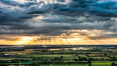 Ivinghoe beacon sunbeams (NED_KELLY_GUY) Tags: sunset clouds landscape stormy planes fields l rays beacon hertfordshire breaking ivinghoe pitstone chilternhills bej crepuscullar pitstoneplane