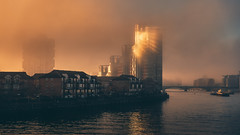 The Star of London (Andrew G Robertson) Tags: london battersea thames fog sunrise sun rise gold christmas xmas