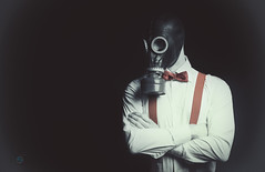 Gas Mask III (Armageddon Portrait) (Sergio Nevado) Tags: retrato portrait mascara gas mask tirantes pajarita suspenders bow tie camisa shirt hombre man studio estudio