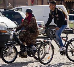 Marrakech Febrero 2017 (Marta. B.) Tags: bike people mujer woman moto motorbike chico man boy morocco marruecos marrakech africa city ciudad street calle trafico urban urbano traffic lifeinthecity vidaciudad lifestyle islam color digital photoshop 2017