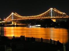 Story Bridge (Cyron) Tags: 2005 longexposure topf25 topv111 night wow geotagged photo australia fv5 brisbane queensland pc4000 storybridge cyron auspctagged geolat27468374 geolon153030485