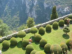 Gourdon's Garden - Provence - France (Pierre Metivier) Tags: park france tree green castle topv2222 canon wow garden ego landscape europe 500v20f topv1111 lawn interestingness1 topf300 topv5555 s40 provence flickrzen 1000v100f topv9999 topv11111 topv3333 topv4444 topf100 topf250 topf200 gourdon saintpauldevence topv8888 topv6666 topv7777 topf400 topf450 topf500 topf350 walledgardens topv44444 topv33333 topv22222 topv55555 onetopfave utatafeature favoritegarden francelandscapes theinspirationalgarden frhwofavs