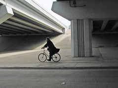 (Lorrie McClanahan) Tags: bicycle highway driveby utatahood ftworth utatagettingaround