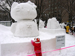 Praying at the altar of Kitty-chan. (Gen Kanai) Tags: sanrio hello kitty hokkaido snow sculpture festival