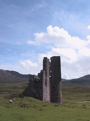 Ardvreck Castle, Sutherland (itmpa) Tags: castle canon scotland ruin g1 sutherland canonpowershotg1 ardvreck assynt powershotg1 lochassynt firstdigitalcamera tomparnell itmpa archhist