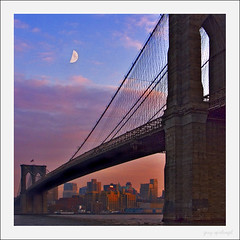 Moon over Brooklyn (gaspi *yg) Tags: 2004 brooklyn newyork nyc cityscape my20 moon evening sunset brooklynbridge a2 bridges optimized urban city utatathread gaspi 04fcc05