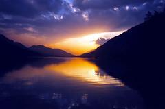Sunset (Walter Quirtmair) Tags: 2003 sunset lake water 1025fav austria august carinthia swq takenbywalter weissensee konicazup135 seriesweissenseeview