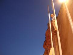 BIACS04 (mirando) Tags: bienal art sevilla seville 2004 surrealism chid colour nosense light streetlamp blue yellow orange fantasy color noteart people tall lookup mirando 2005 lafotodelasemana moderno frombelow lfsmoderno