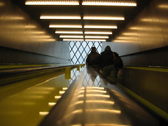 Ascending (selva) Tags: seattle people reflection metal geotagged lights library escalator rubber utatahood seattlepubliclibrary centrallibrary geo:lat=47606131 geo:lon=122332893 utatagettingaround libslibs librariesandlibrarians