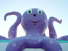 fake octopus (zen) Tags: animals purple fake octopus tentacles 20030926 zensutherland