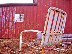 For My Discard Collection - March 2K5 III (ǝlɐǝq ˙M ʍǝɥʇʇɐW) Tags: found discarded abandoned chair red junk frostburg maryland march 2005 whitechair