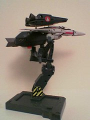 Valkyrie variable fighter from SDF Macross (side view) (Z303) Tags: mecha anime macross variablefighter toys valkyrie