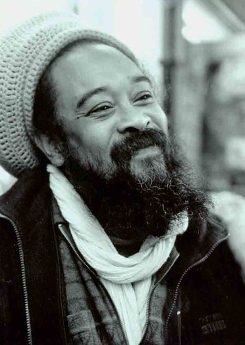 Mooji por Snax's Visual experiment.