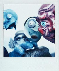Do feel watched (-Antoine-) Tags: smile photoshop polaroid puppet group gang fake freaky aliens creepy puppets sourire groupe marionnette mugging cyclop guignol fakepolaroid fauxlaroid marionnettes cyclope bisolars antoinerouleau