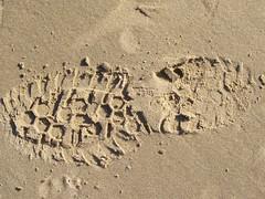 Rhosneigr (blogdroed) Tags: beach wales coast cymru footprint anglesey traeth ynysmn arfordir rhosneigr ltraed