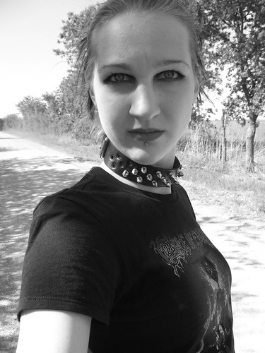 b&w dirt road me... BOO