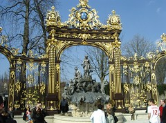 Place Stanislas (Bee.girl) Tags: france fountain bluesky nancy fontaine placestanislas