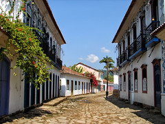 Paraty - Brazil (Diego3336) Tags: street brazil green stone brasil riodejaneiro paraty architecture coast colonial parati costaverde greencoast