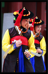 Suwon Korean dance performance sword dance Suwon South Korea (Derekwin) Tags: dance korea derek korean hanbok southkorea winchester hwaseong suwon koreandance derekwin derekwinchester jeonbok jeonnip beonggeoji