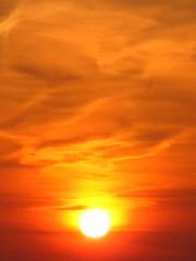 Schelde sunset (croki) Tags: sunset sky orange cloud clouds river evening belgium wolken antwerp schelde avond lucht antwerpen oranje wolk rivier neuken wolkskes