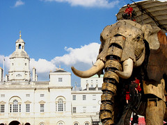 the sultan's elephant (missei) Tags: inglaterra england london teatro europa europe theatre londres sultan calles elefante streettheatre teatrocallejero thesultanselephant royaldeluxecompany elelefantedelsultan