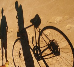 ShADoWpLaY on tHe SaNd (neloqua) Tags: ocean light shadow sea summer brazil art beach southamerica beautiful bicycle riodejaneiro wonderful daylight amazing fantastic sand perfect colorful miracle great adorable illusion excellent imagination summertime shadowplay moment lovely charming magical niteroi sunnyday windsandandwater