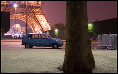 French Car in French Place (Simon Grossi) Tags: paris france tower car night french tour citroen eiffel voiture visa