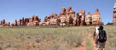 Hiking in Chesler Park, Needles District, Cany...
