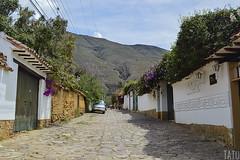 Villa de Leyva (Tato Avila) Tags: colombia boyac villadeleyva casas colores clido cielos montaas arquitectura colonial