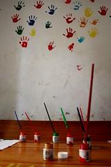 Handjes op de muur