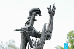 Ossip Zadkine - Grand Orphée (Großer Orpheus) - 1956 - Marl (NRWskulptur) Tags: sculpture statue bronze skulptur nrw publicart ruhrgebiet nordrheinwestfalen zadkine orpheus ossipzadkine marl kunstimöffentlichenraum northrhinewestphalia kreisrecklinghausen skulpturenmuseumglaskasten
